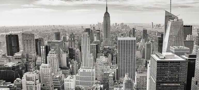 Black and white NYC skyline - moving services NYC that will have you feel like time has stopped.