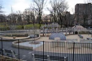 Playground in Manhattan - the proof that raising a family in Manhattan is possible