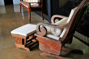 Packing antique furniture