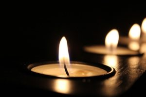 candles - decorate your NYC home for Thanksgiving