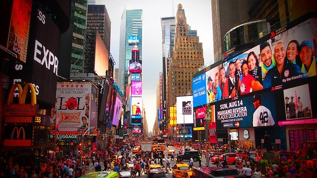 times square - ways to celebrate NYE in NYC