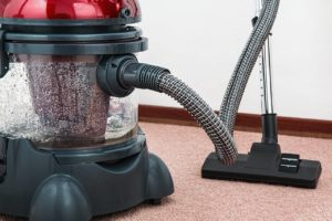 vacuum cleaner to use before redecorate a garage