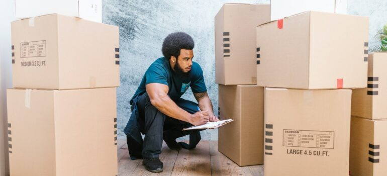 New Jersey Movers doing inventory before a move